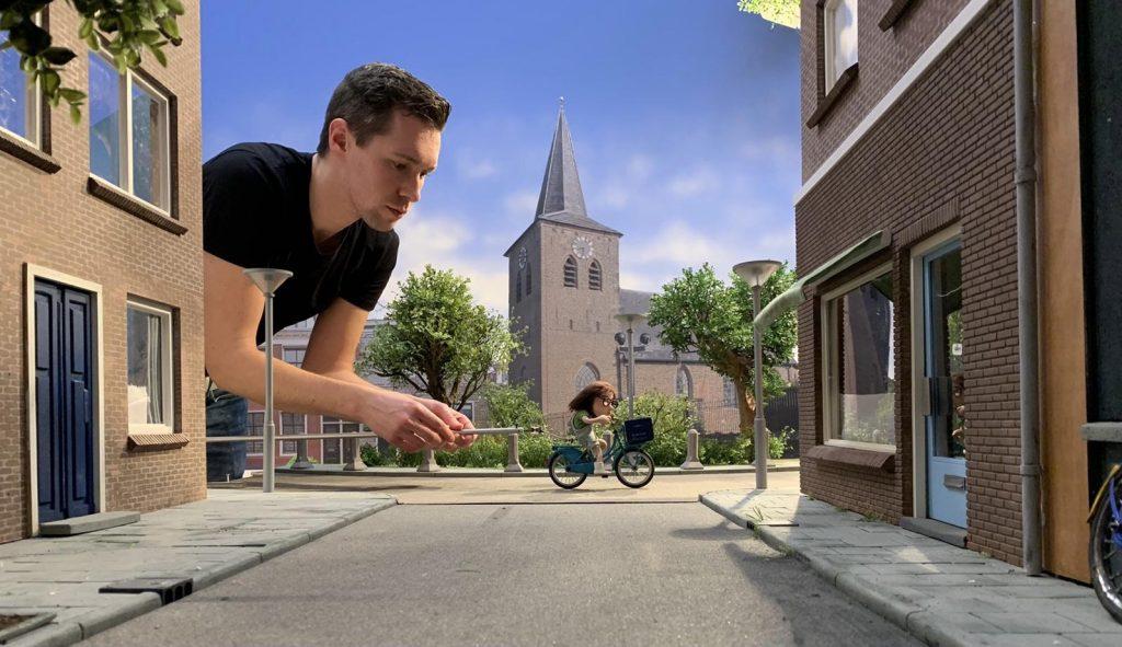 Raymon Wittenberg aan het werk als stop motion artist - afbeelding interview BrightPensioen